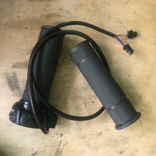 Gasgriff 36V Bj. 2007 bis 2010 / viereckige Stecker